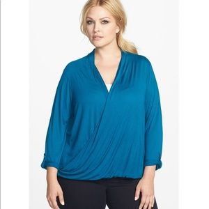 Two by Vince Camuto drape front blouse top